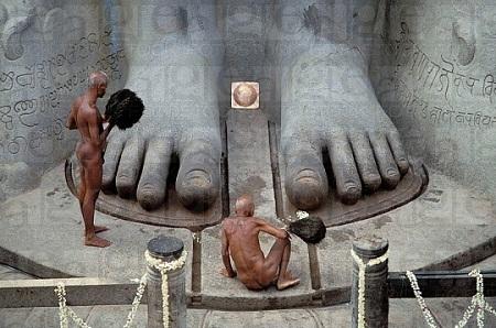 Kỳ lạ giáo phái khỏa thân ở Ấn Độ