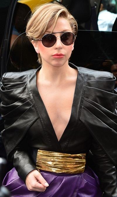 Lady Gaga sẽ là ca sỹ đầu tiên biểu diễn ngoài vũ trụ