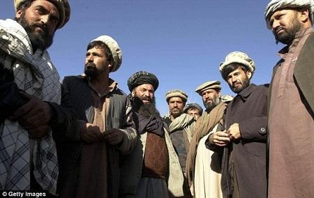 Afghanistan đang cân nhắc dự luật ném đá tới chết những người ngoại tình