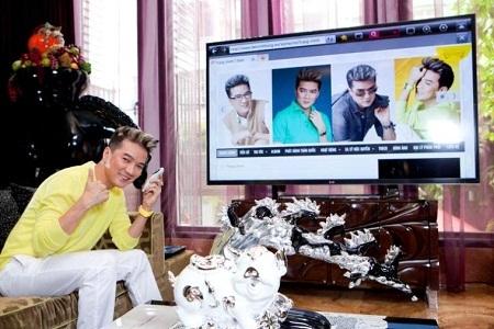 """Từ khi có TV mới, chiếc ipad cũng ít được Mr Đàm""""cưng""""h"""