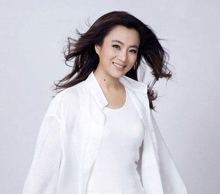 Vẻ đẹp tuổi trung niên của diễn viên Lý Linh Ngọc