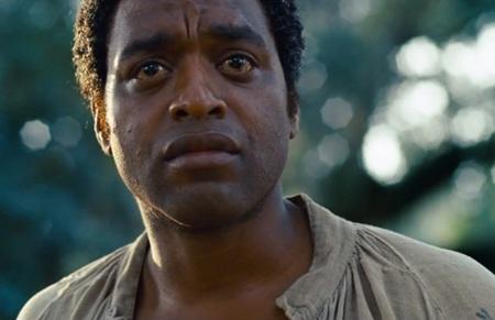 Hình ảnh nhân vật Solomon Northup do diễn viên da màu Ejiofor thủ vai trong phim