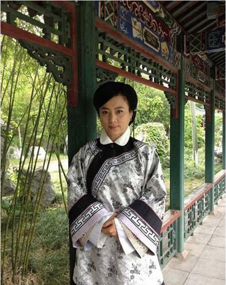 Lý Linh Ngọc trong vai diễn gần đây nhất, nhân vật Diêu mẫu phim Tân kinh hoa yên vân.