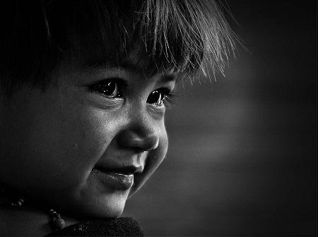 """""""Em bé Cơ-tu"""" - Tác giả Đặng Văn Nở (Việt Nam) - Huy chương Vàng FIAP"""
