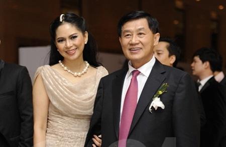 Thủy Tiên cùng chồng