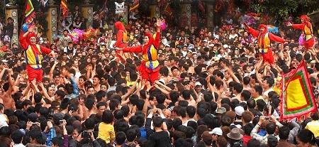 """""""Đồng Kỵ lễ hội quê tôi"""" - Tác giả Nguyễn Á (Việt Nam) - Huy chương Vàng VAPA"""