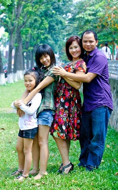 Nguyệt Hằng và chồng, diễn viên Anh Tuấn hiện làm ở Nhà hát