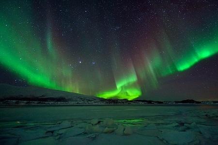 """""""Polar Lights 108"""" (Ánh sáng vùng cực) - Tác giả Achim Koepf (Đức) - Huy chương Bạc FIAP"""