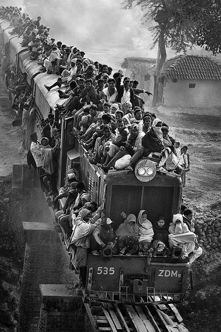 """""""Last Train"""" (Chuyến tàu cuối cùng) - Tác giả Fan Hui Ling (Đài Loan) - Huy chương Bạc VAPA"""