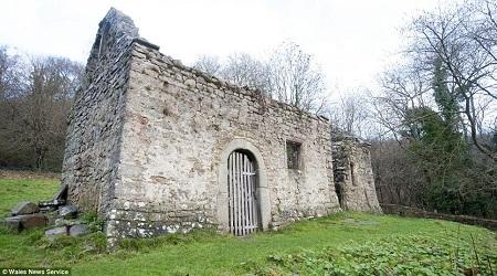 Nhà thờ cổ được rao bán với giá... 30 ngàn đồng