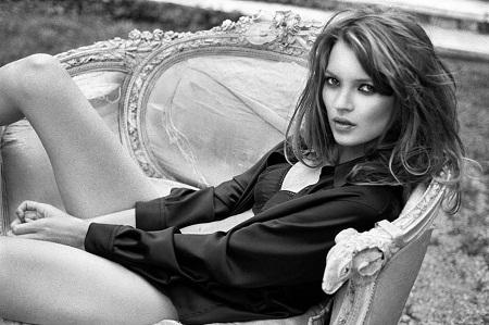 """Kate Moss bị nhiếp ảnh gia """"đuổi về"""" ngay buổi chụp hình đầu tiên"""