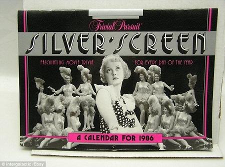 Một cuốn lịch với hình minh họa là những ngôi sao màn bạc nổi tiếng ở thập niên 1980.