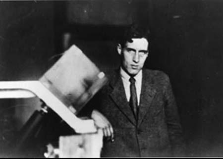 Chân dung nhà vật lý Patrick Blackett, người suýt bị Oppenheimer đầu độc vì mâu thuẫn cá nhân.
