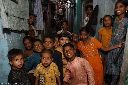 Những đứa trẻ ngây thơ sống ở Dharavi.