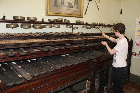Kinh ngạc trước những nhạc cụ kỳ lạ nhất thế giới