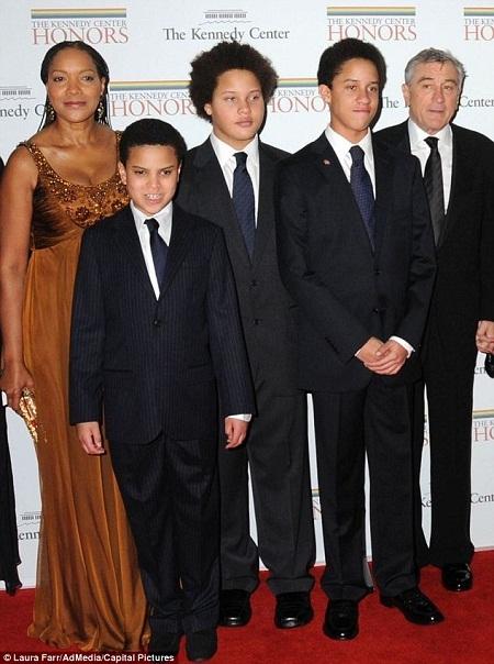 Nam diễn viên Robert De Niro bất ngờ làm phim về ông bố đồng tính