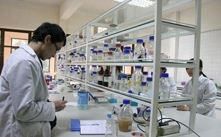 Thực tiễn sản xuất sẽ lộ ra ngay ai là người học thật, ai là tiến sĩ giấy.