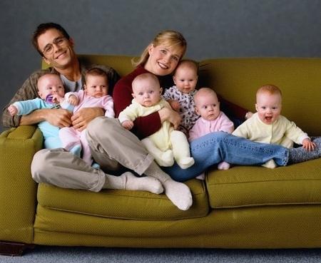 """""""Babies!"""" - đề tài muôn thuở:"""