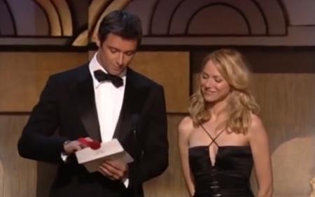 Trước đây, phong bì được sử dụng tại lễ trao giải Oscar có màu trắng.