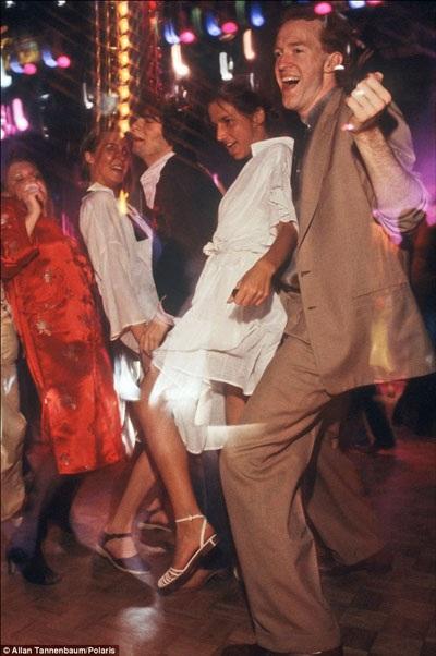 Màu được nam giới ưa chuộng nhất ở thập niên 1970 là các tông màu nâu.
