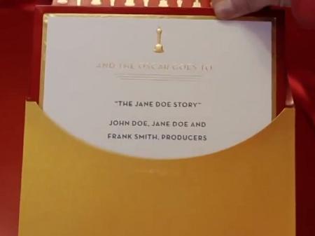 """""""Ruột"""" của chiếc phong bì ghi tên người thắng giải."""