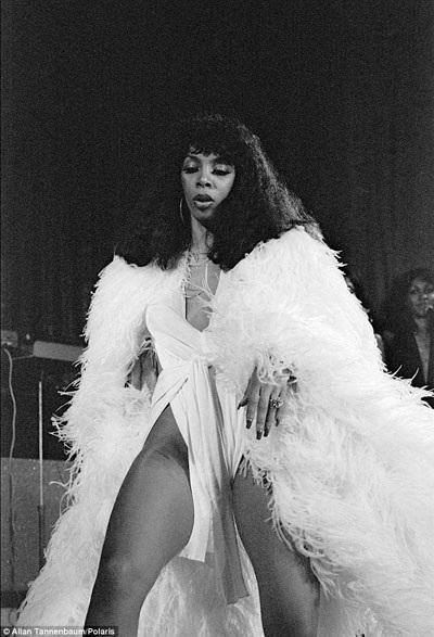 Nữ ca sĩ nhạc dance Donna Summer.
