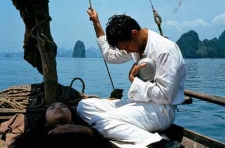 Phim lấy bối cảnh tại Việt Nam trong những năm 1930.