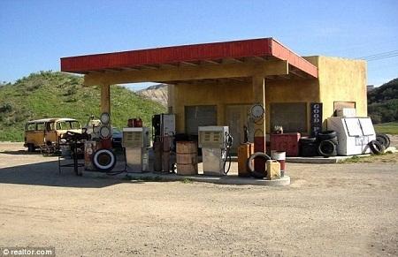 Một cây xăng theo kiểu Afghanistan.