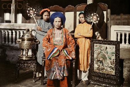 Bà Chúa Nhất, trưởng nữ của vua Dục Đức, chị cả của vua Thành Thái, ảnh chụp năm 1931.