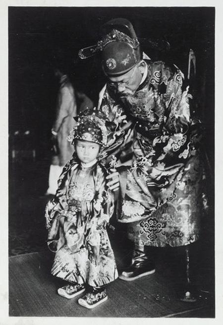 Thái tử Bảo Long, con vua Bảo Đại, ảnh chụp năm 1936.