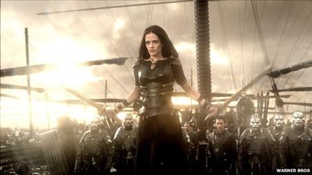 Nữ diễn viên Eva Green vào vai nữ hoàng Artemisia trong phim 300: Đế chế nổi dậy.