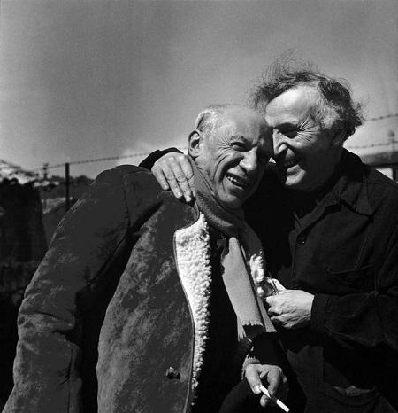 Picasso (trái) và Chagall (phải)