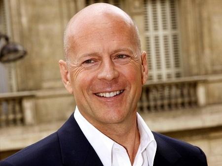 """Nam diễn viên Bruce Willis đã """"cày cuốc"""" được 3,17 tỉ đô qua các vai diễn."""