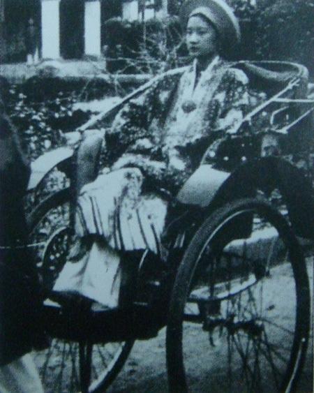 Nam Phương Hoàng Hậu ngày được tấn phong năm 1934.