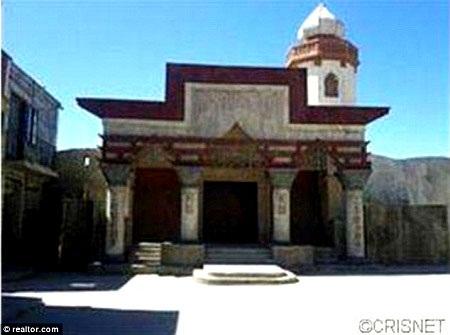Một số khu vực trên trường quay còn nguyên vẹn, để khắc họa Afghanistan thời bình.