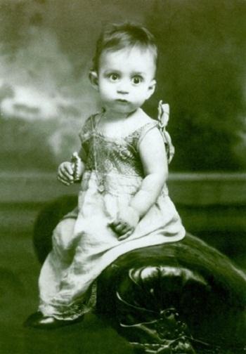 Gabriel Garcia Marquez khi bé.