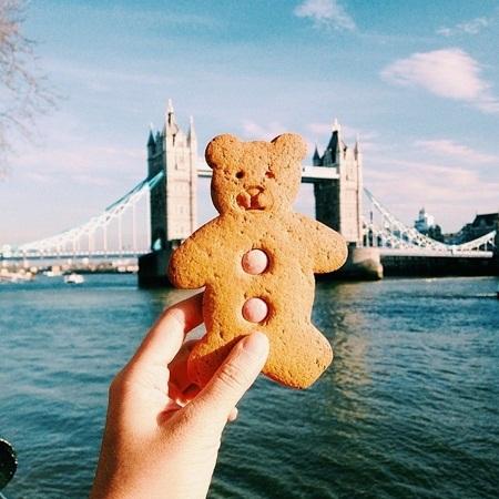 Bánh quy gấu teddy mua ở gần cầu Tower Bridge, London, Anh.