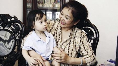 Hiện tại, NSƯT Thanh Loan đã lên chức bà và đang sống hạnh phúc với gia đình tại Hà Nội.