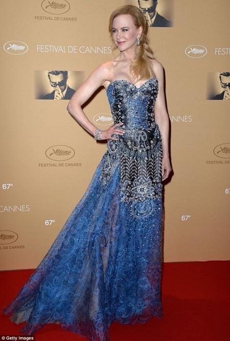 Nicole Kidman xuất hiện rạng ngời tại tiệc chiêu đãi trong đêm khai mạc Liên hoan phim Cannes.