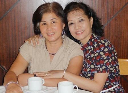 Diễn viên Thúy An (trái) và NSƯT Hà Xuyên.