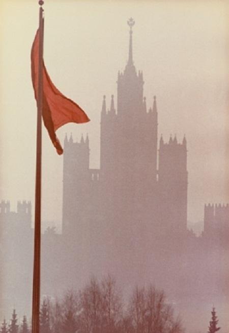 Một bức ảnh chụp hồi thập niên 1960 bởi Dmitry Baltermants.