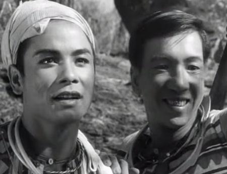 A Phủ bên người đồng đội A Sinh (nam diễn viên Trịnh Thịnh)