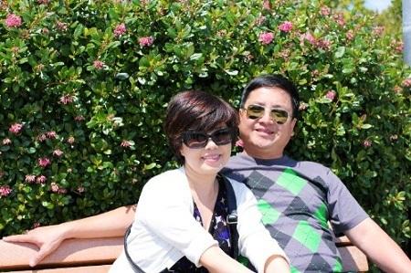 Cặp vợ chồng nghệ sĩ Chí Trung - Ngọc Huyền trong chuyến đi Mỹ.