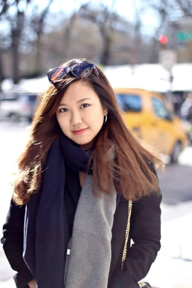 Trần Khánh Linh sinh năm 1996 - Hoa khôi Nét đẹp Tràng An là cựu học sinh THPT Chuyên Hà Nội – Amsterdam, hiện là sinh viên năm 4 ĐH Oberlin – một trong những ngôi trường nghệ thuật danh tiếng tại Mỹ.