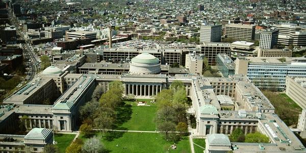 Toàn cảnh Viện công nghệ Massachusetts.