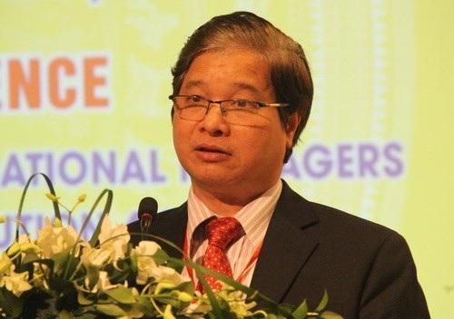 GS.TS Phạm Quang Trung phát biểu tại hội thảo (Ảnh: Giáo dục thời đại).