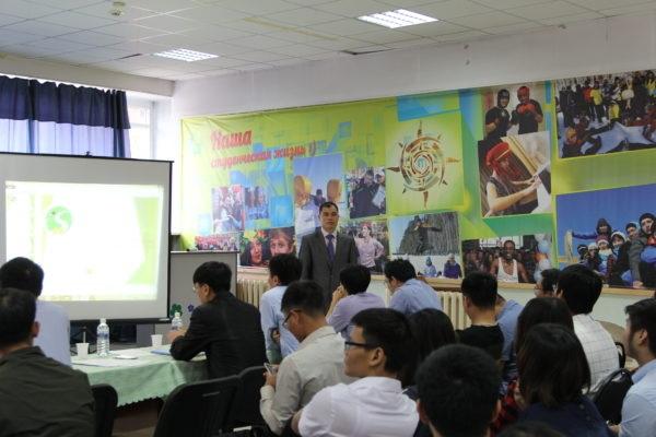 Ông Nguyễn Hữu Khôi - Phó chủ tịch Hội người Việt Nam tại Irkutsk.