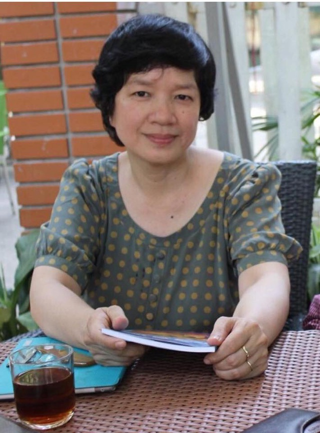 TS. Trịnh Thu Tuyết (nguyên giáo viên dạy Ngữ văn tại trường THPT Chuyên Chu Văn An, Hà Nội).