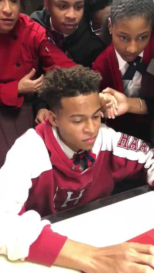 Ayrton Little vừa trúng tuyển vào Đại học Haravard (Mỹ), khi cậu mới 16 tuổi.