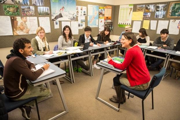 Đặt câu hỏi và tranh luận với nhau là phong cách học tập điển hình tại New Zealand.